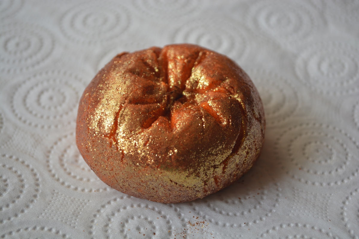 Review | Lush Sparkly Pumpkin Bubble Bar