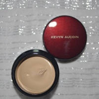 Review | Kevyn Aucoin Sensual Skin Enhancer