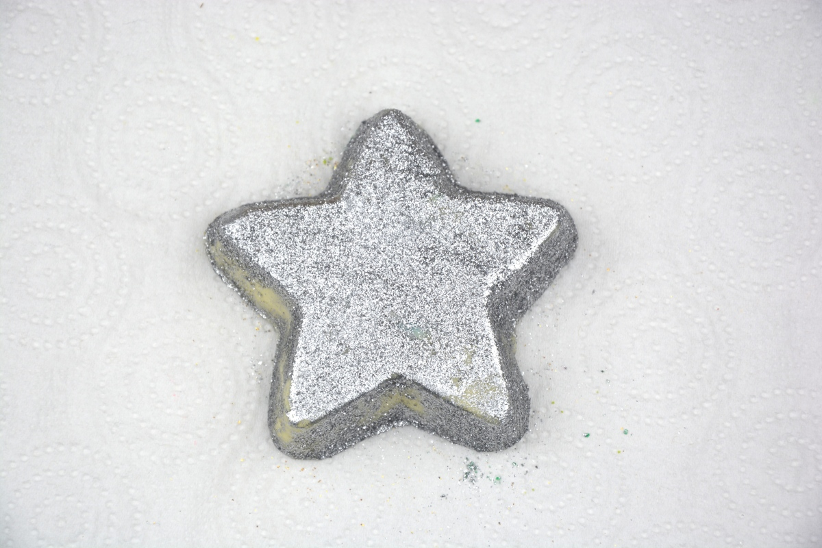 Review | Lush Star Light, Star Bright Bath Melt