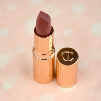 Review | Charlotte Tilbury Matte Revolution Lipstick in Walk of Shame
